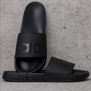 Alo black slides